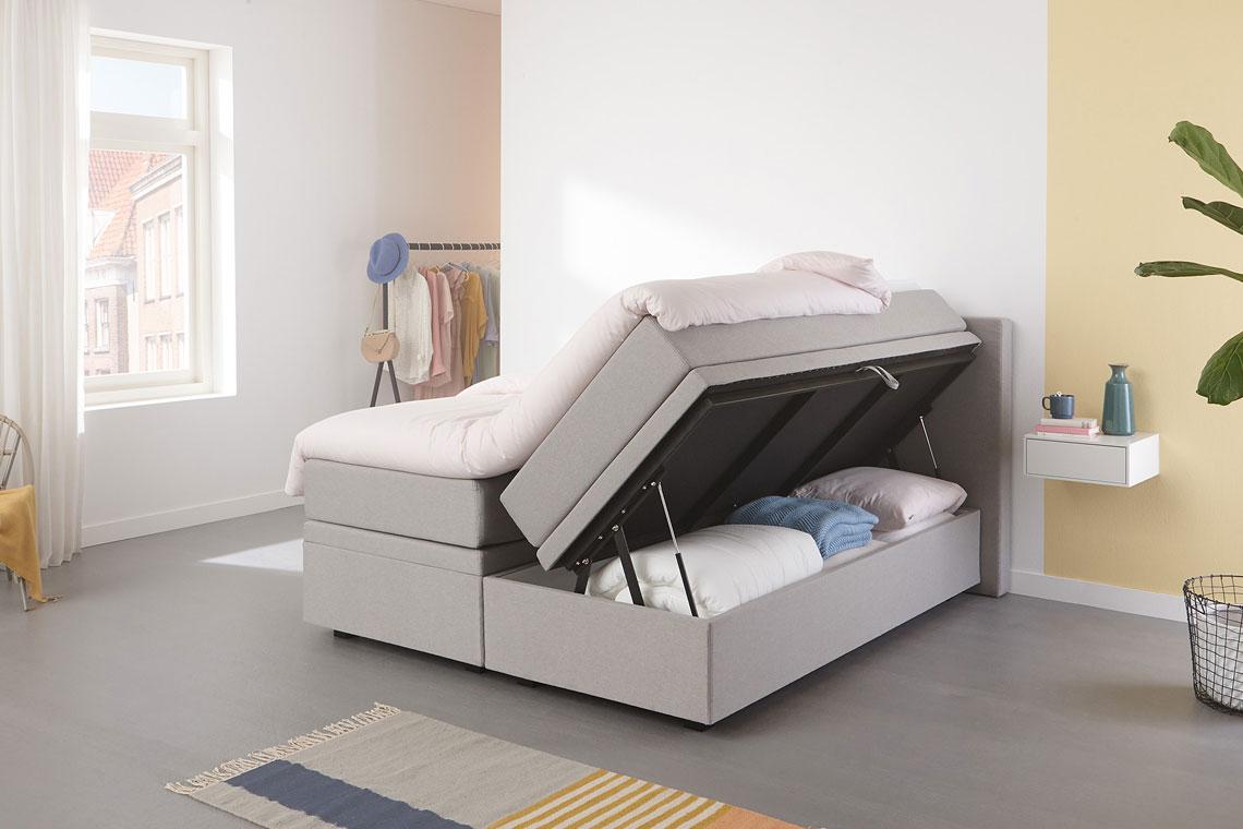 Mit diesem Boxspringbett ist das Schlafzimmer immer ordentlich aufgeräumt | Swiss Sense